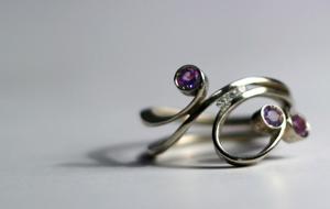 Anello ametista brillanti anelli fidanzamentoanelli for Anelli di fidanzamento famosi