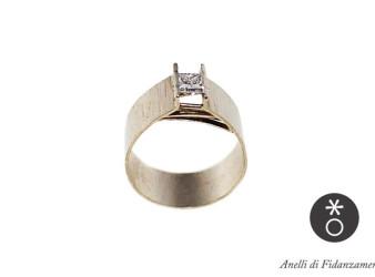 anello di fidanzamento personalizzato in oro bianco, creato da eva.