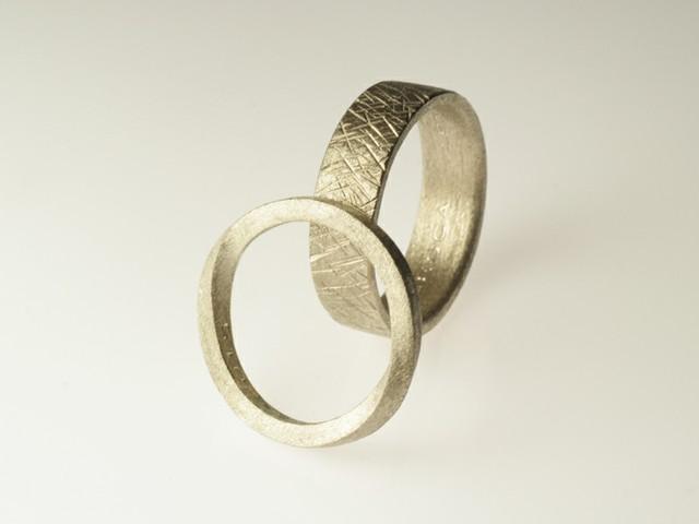 """Fedi nuziali particolari: """"Green""""- Fedi in oro bianco satinato / """"Green""""- White gold rings satin"""