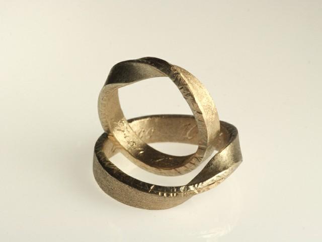 """Fedi nuziali particolari: """"Skagen""""- fedi in oro bianco e oro bianco nickel free, satinate / """"Skagen""""- White nickel free and white gold rings, satin"""