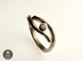 anello-oro-battuto