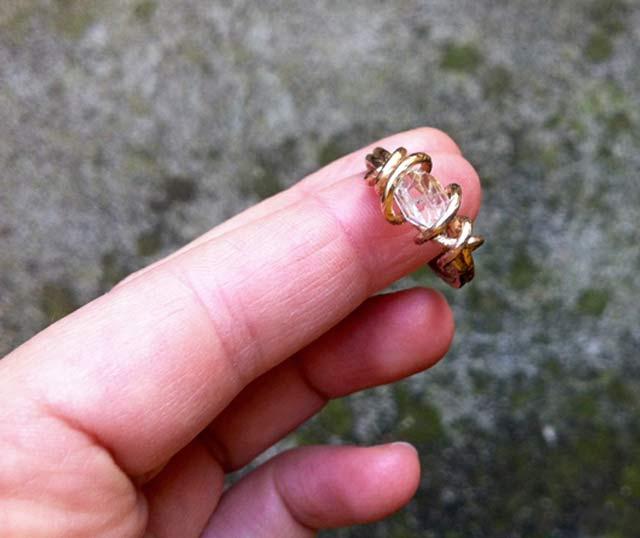 un anello di fidanzamento con nodo inglese anelli fidanzamento