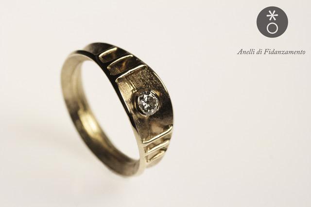 anello di fidanzamento personalizzato ispirato ad una pianta carnivora: simbolo dell'amore tra due botanici, Andrea e Mariateresa.