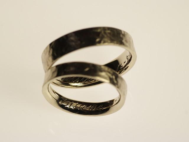"""Fedi particolari: """"Insieme""""- Fedi in oro giallo, incise a mano internamente / """"Together""""- Yellow gold rings, engraved by hand -Fedi-elena-e-dimitri-insieme"""